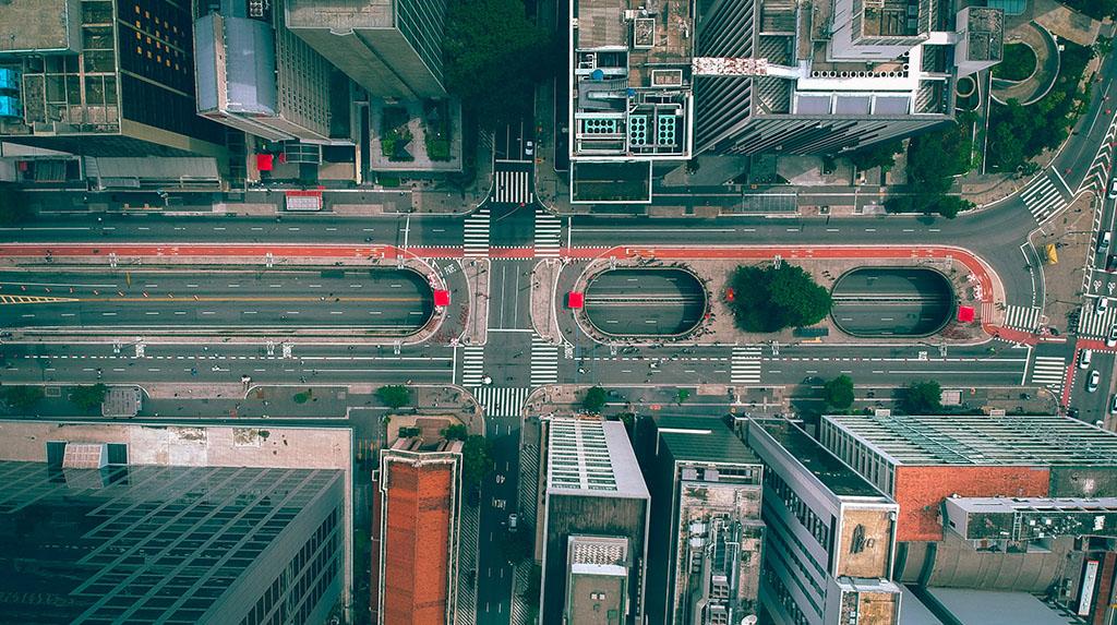 LGBTQIA+ São Paulo: foto aérea da Avenida Paulista