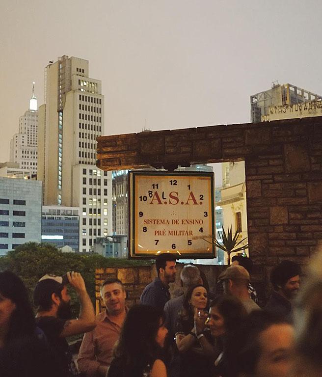 LGBTQIA+ São Paulo: Balsa, bar e rooftop no centro