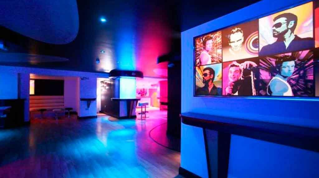 Brighton LGBTQIA+: Hotel Legends, hotel gay com bares bem aconchegantes.