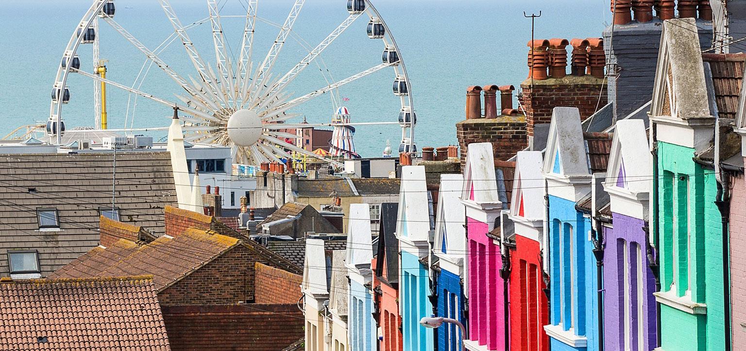 Brighton LGBT: casas coloridas próximas ao píer 2
