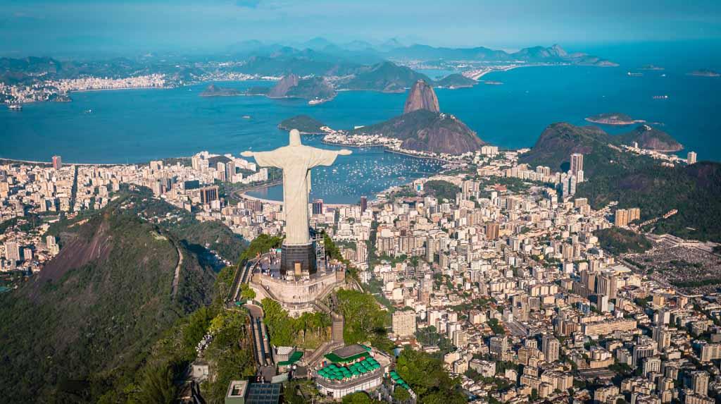 Cristo Redentor, Rio de Janeiro visto do alto.