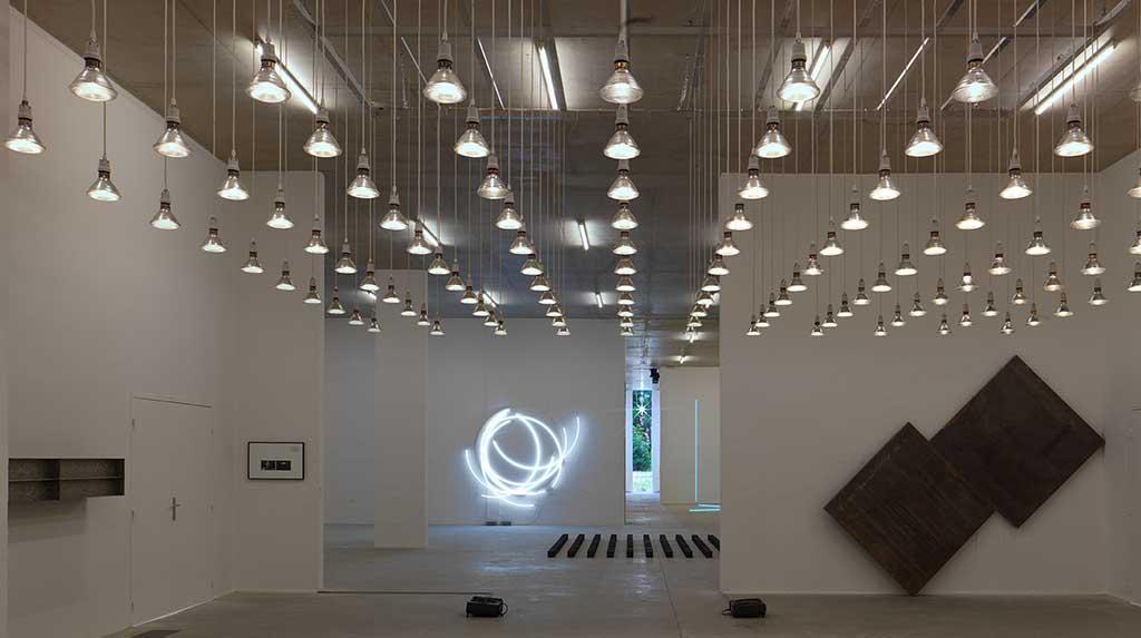 Museus secretos de Paris: interior do Le Silo com obras